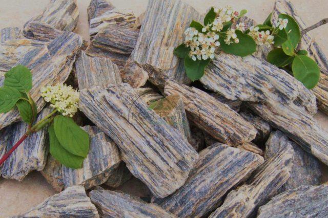 kamień ogrodowy kora gnejsowa