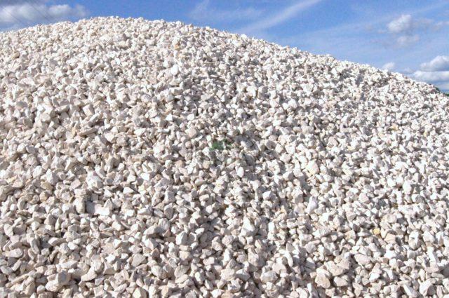 kamień ogrodowy grys wapienny biały