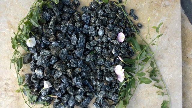 Kamień ogrodowy grys granitowy dalmatyńczyk
